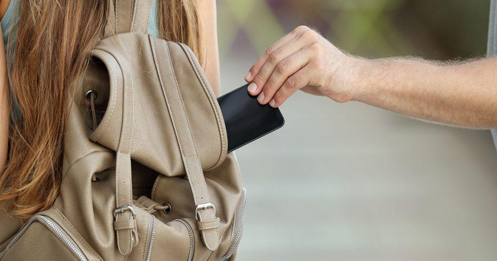 Proteggere lo smartphone in vacanza